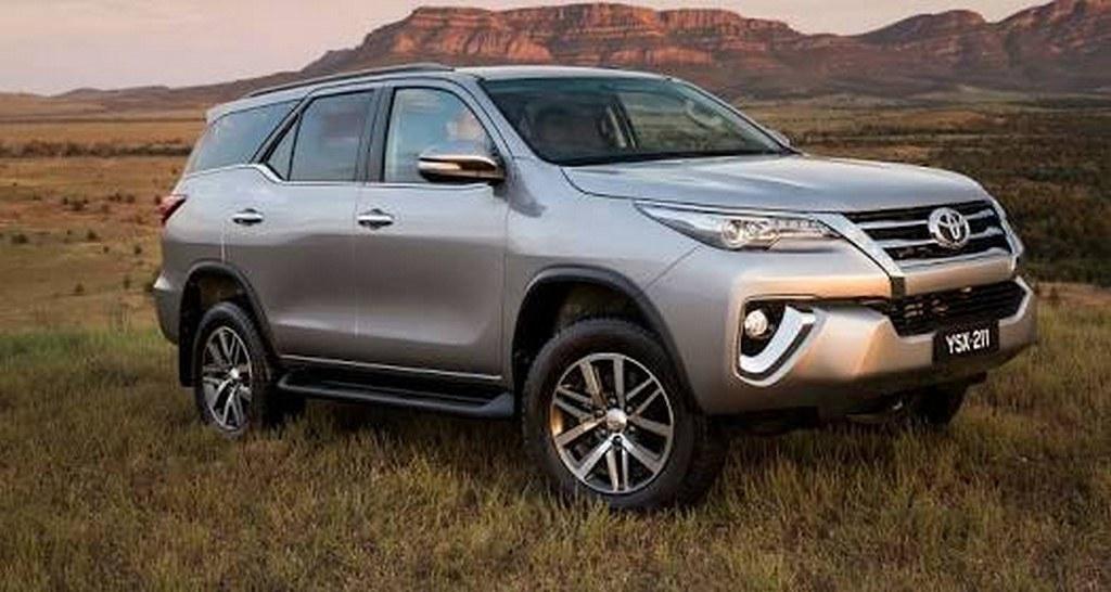 2016-Toyota-Fortuner (4)