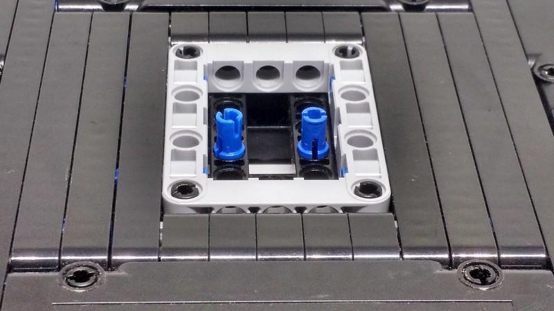 Detalhe do ponto de suporte da base com a base do robô