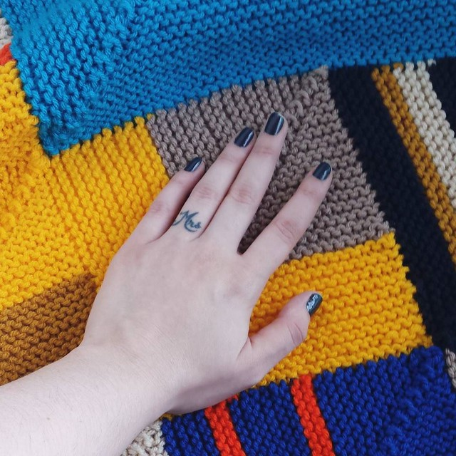 not small squares! #knittersofinstagram #birthdayblanket #craftastherapy #makersgonnamake #ourmakerlife