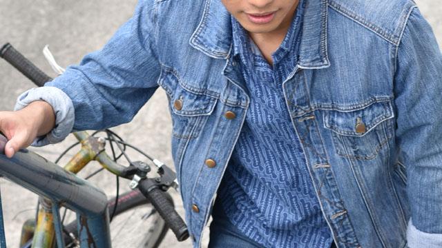 Uniqlo Batik Motif Duane Bacon Mens Wear Blogger Denim Jacket Blue