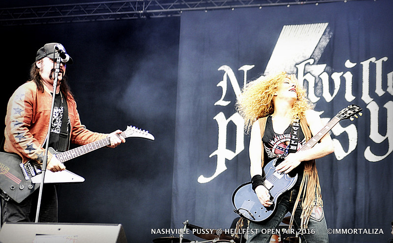 NASHVILLE PUSSY  @ HELLFEST OPEN AIR 2016 CLISSON FRANCE 29059446324_47ee0c1a1c_c