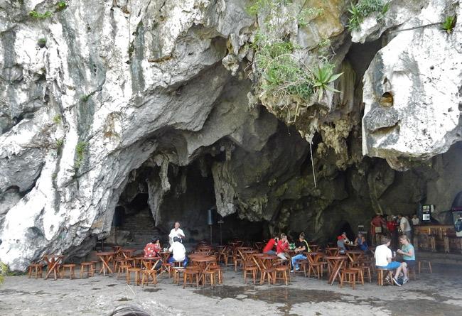 cuba-vinales-cave-bar-restaurant