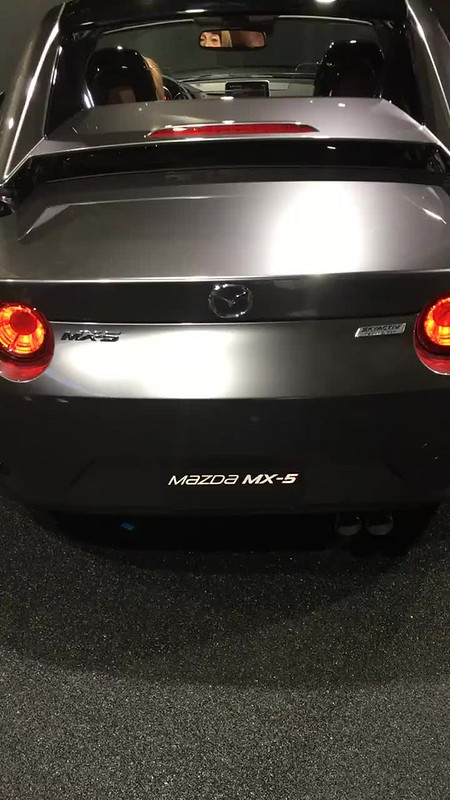 Mazda MX-5 RF roof transform 02