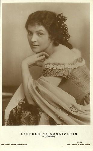 Leopoldine Konstantin in Fasching