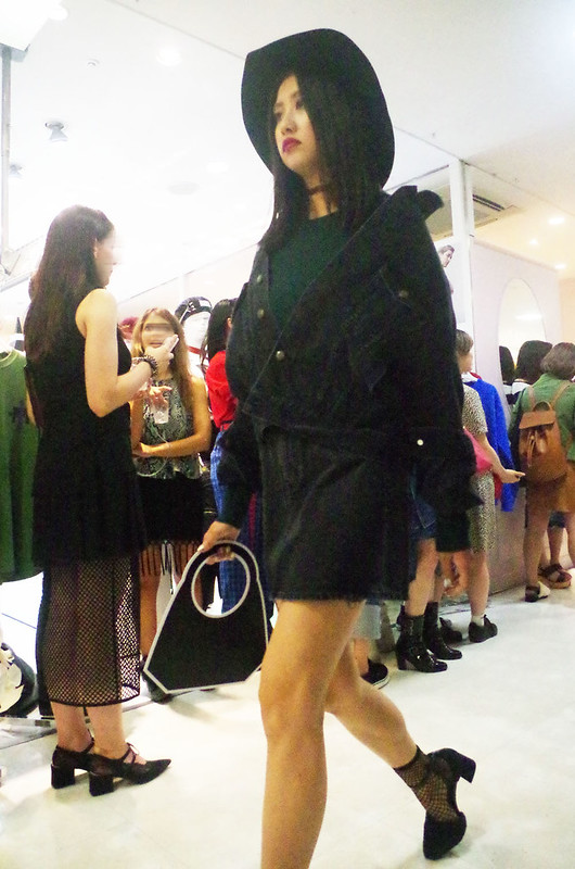 toomilog-FASHIONS_NIGHT_OUT_2016_033