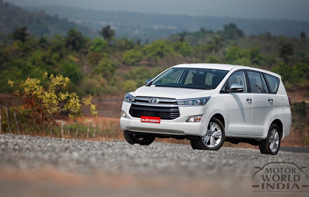 Toyota-Innova-Crysta-Front-Three-Quarter (2)