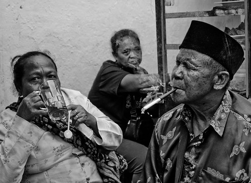 Warung customers, Yogya | by Peter B [RSA]