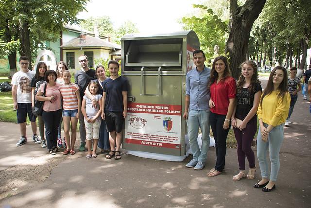"Instalare container donatie de haine in Parcul ""Al. I. Cuza"" din Tecuci"