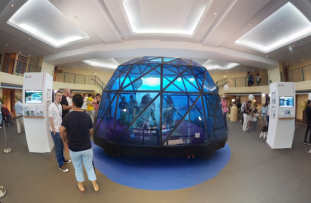 Sapphire Voyager at Gold Coast Motor Festival, wide angle