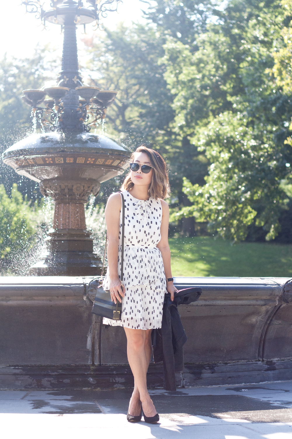 05nyc-centralpark-fountain-dots-dress-travel-fashion-style