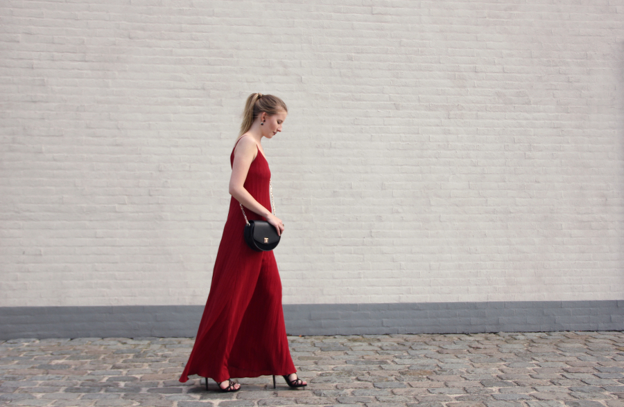 outfit lady in red maxi dress mango shoulder bag zara high heels h&m jewellry & other stories