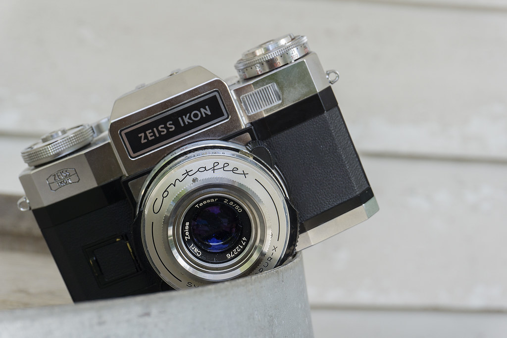 CCR Review 48 - Zeiss Ikon Contaflex Super B