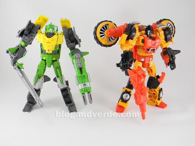 Transformers Sandstorm Voyager - Transformers Generations Takara - modo robot vs Springer