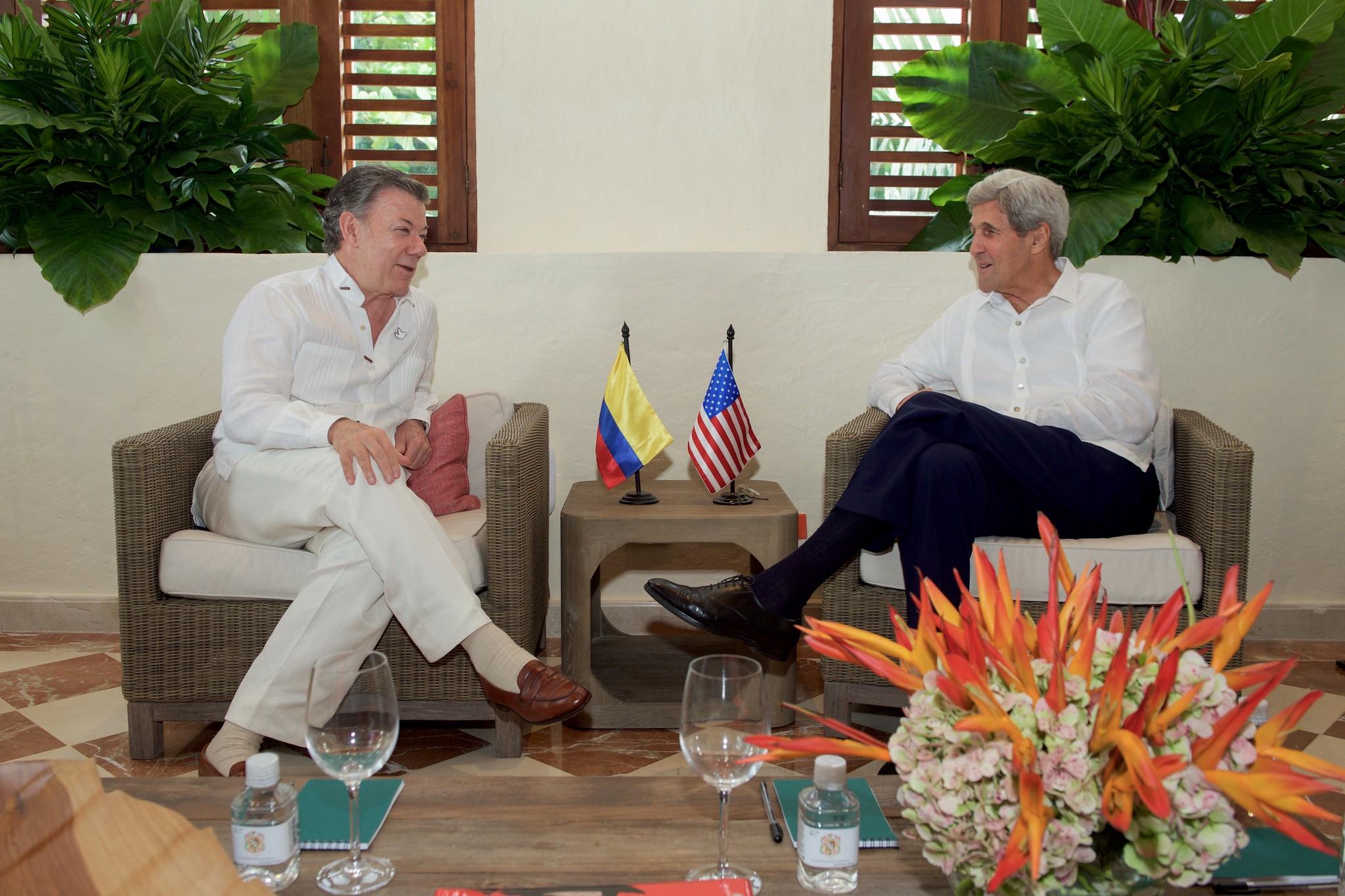 Secretary Kerry Speaks With Colombian President Santos