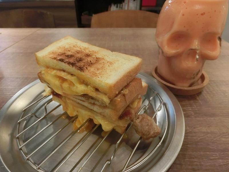 台北美食-三重餓店烤吐司-17度C隨拍 (12)