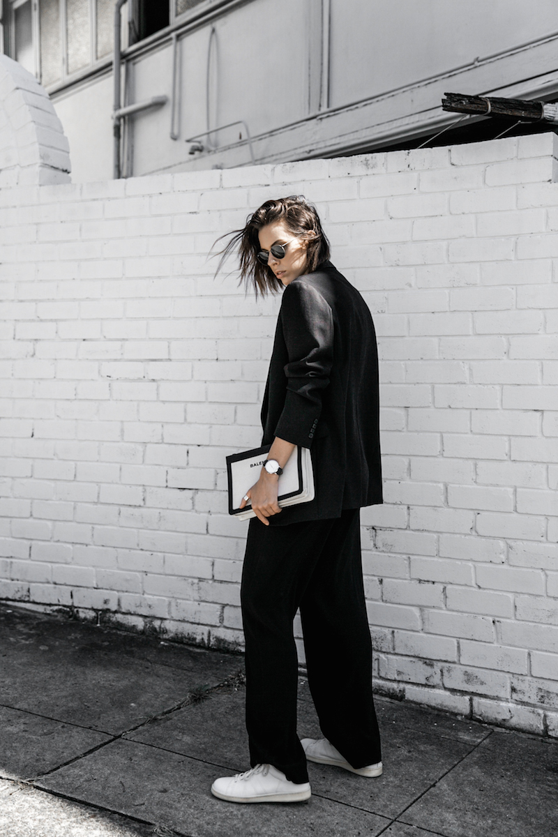 dion lee fine line cami minimal street style inspo all black Balenciaga canvas pochette bag Isabel Marant sneakers fashion blogger modern legacy (9 of 14)