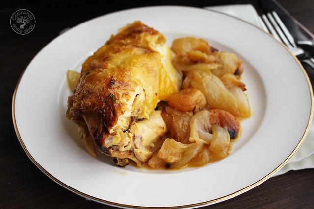 Pollo al horno con manzanas, cebolla, orejones e hidromiel (15)