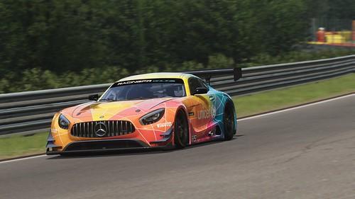 Mercedes AMG GT3 - Unicef (8)
