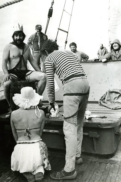 Полярный круг Наталья на коленях перед Посейдоном-Данковым