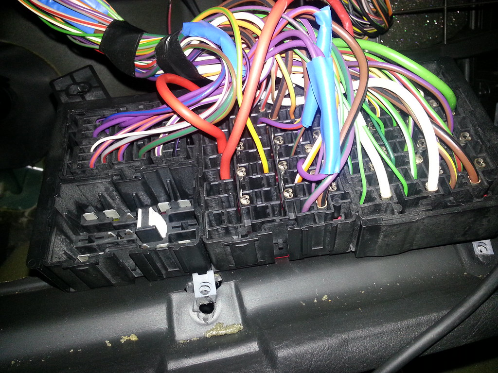 how to retrofit make your own loom for heated electric seats in order to run the power wires from the fuse box to under the driver and passenger seats you will need to remove the plastic floor trims along the front