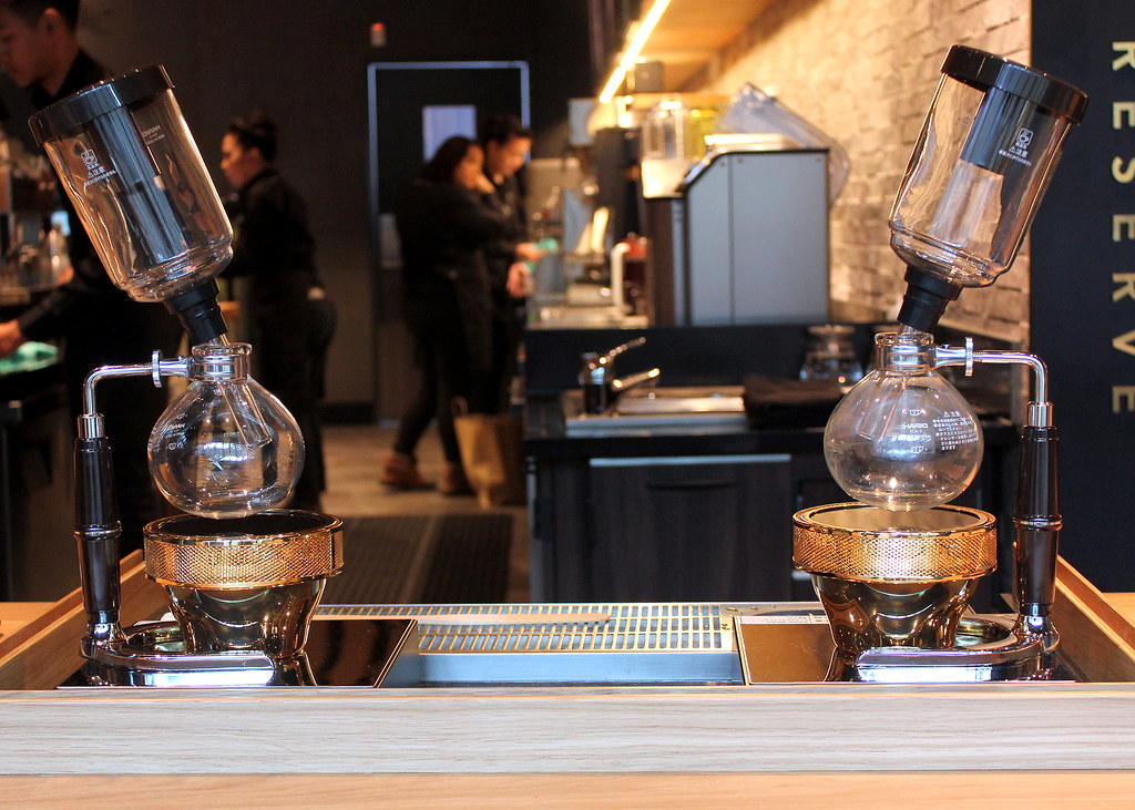starbucks-reserve-marina-bay-sands-siphon-brew-method