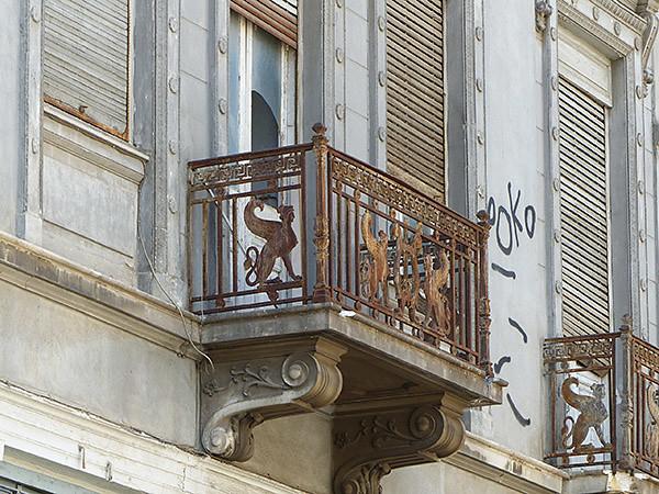 balcon ancien à Athènes