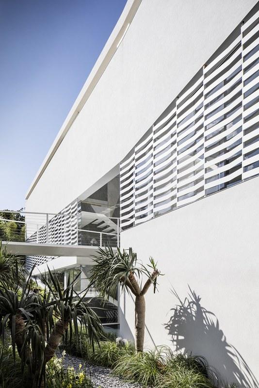 Дом в стиле Hi-Tech в Герцлии от Pitsou Kedem Architects
