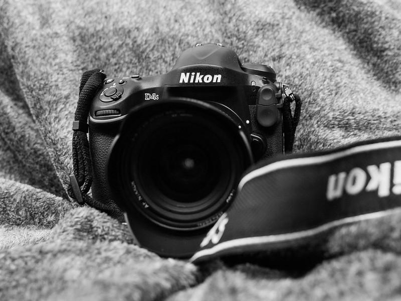 Nikon D4s with 20-35mm/2.8D