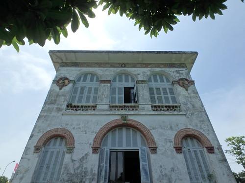 white-palace-2