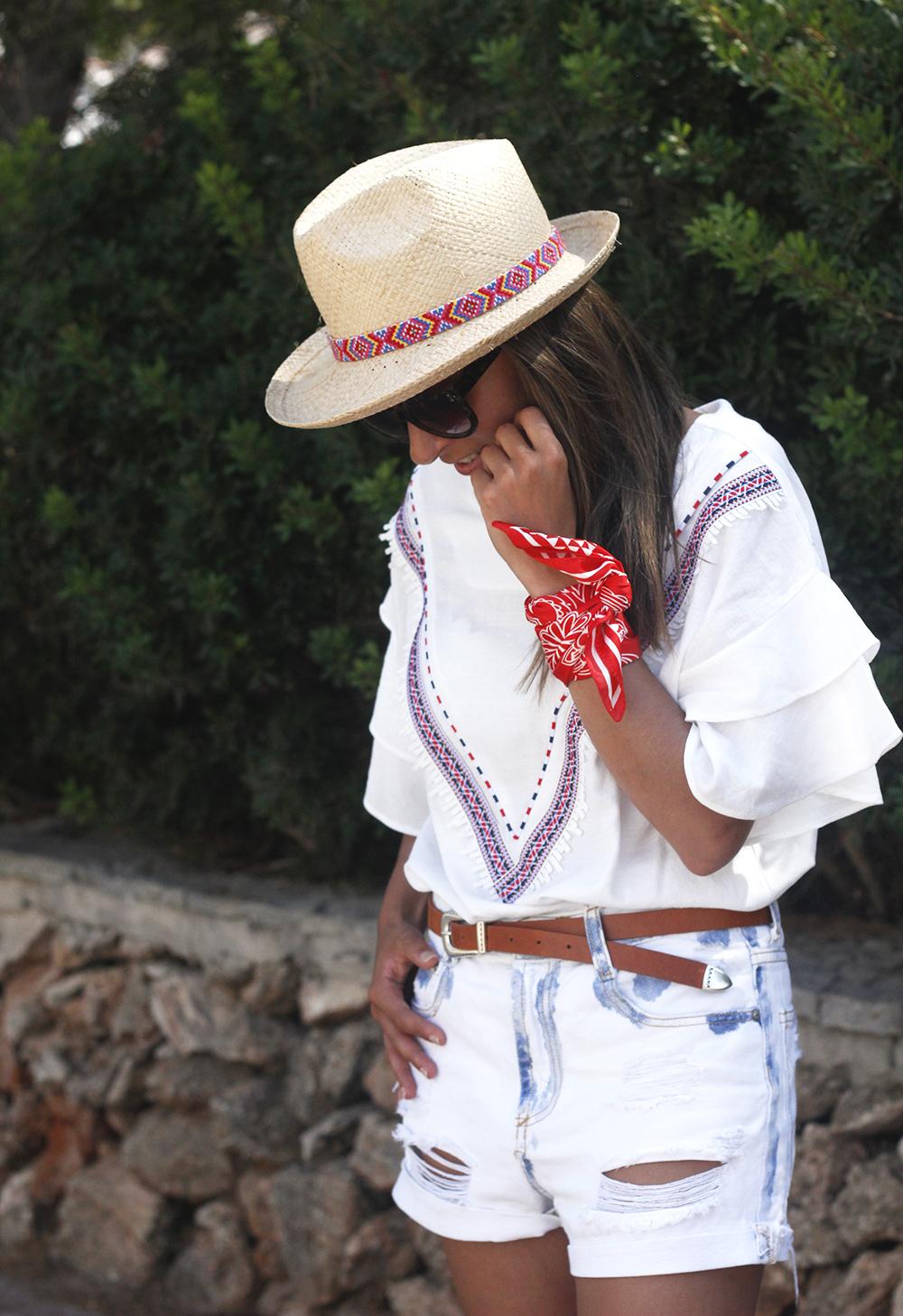 White Summer look bandana beach outfit12