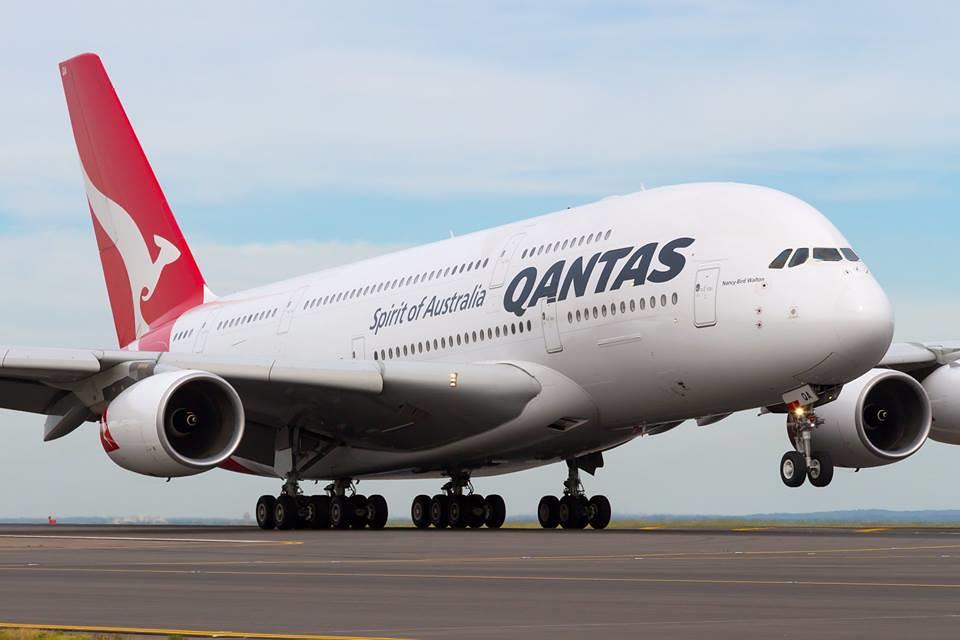 Szárnyal a Qantas, milliárd dolláros eredményt jelentett a cég