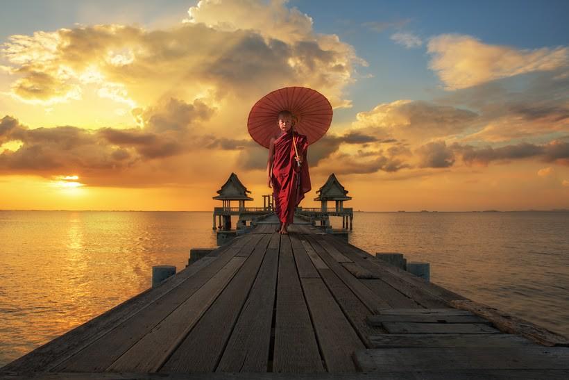 myanmar-burmese-monk.jpg
