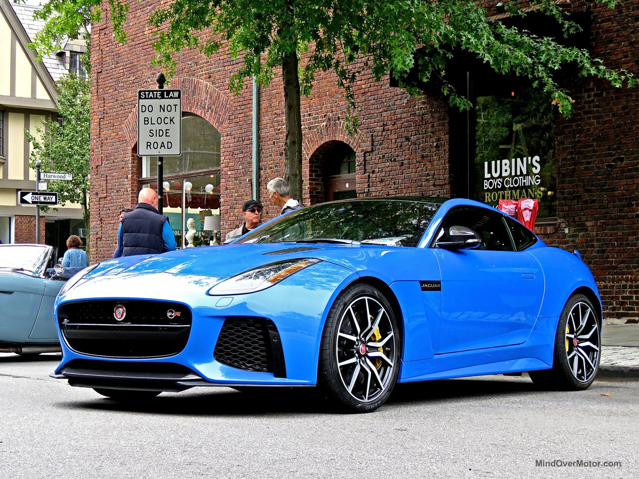 Jaguar F-Type SVR Ultra Blue 2