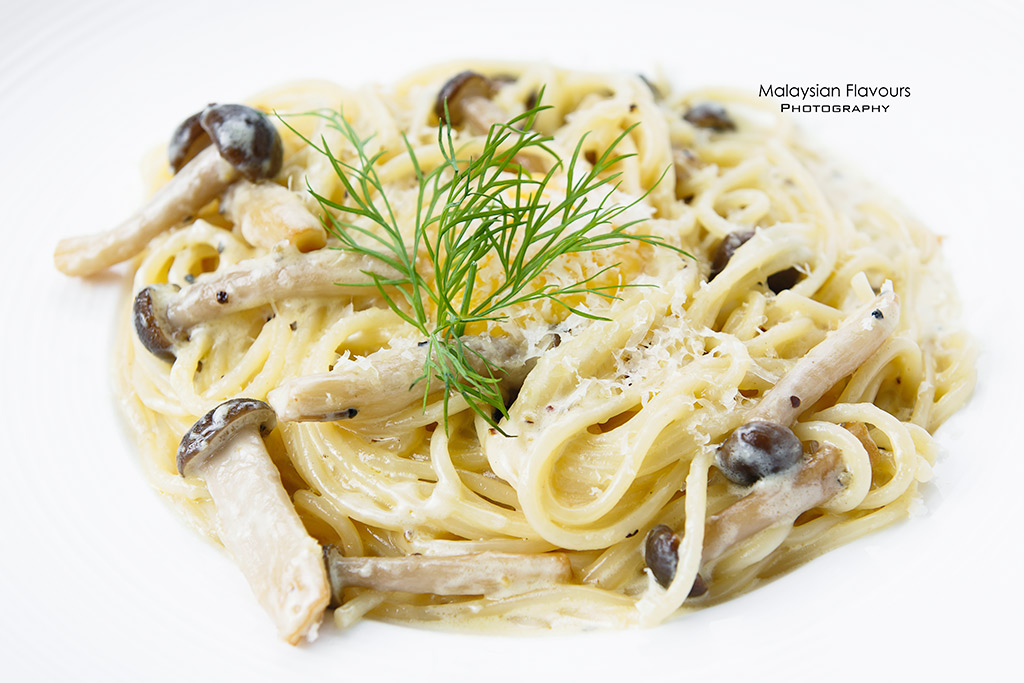 Summer at 17°C Cafe Connaught Avenue mushroom carbonara