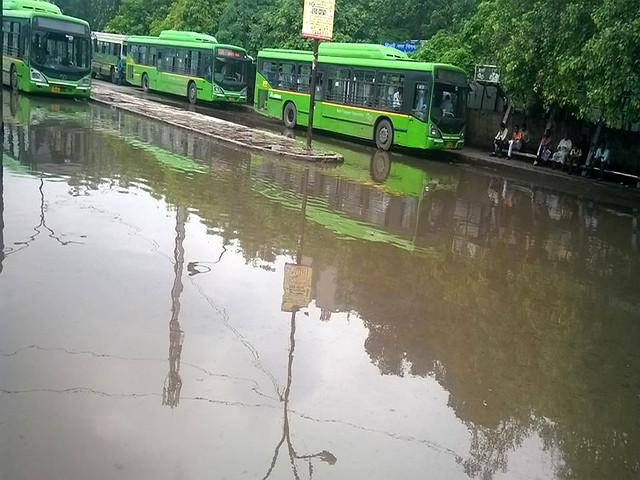 जल जमाव से परेशान दिल्ली