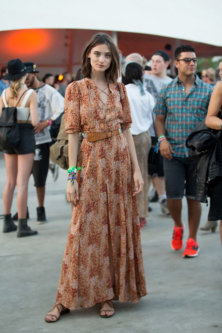 maxi dress with floral print inspiration street style fashion outfit summer autumn7