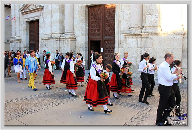 Briviesca Fiestas 2016 Procesión del Rosario y canto popular de la Salve  (1)
