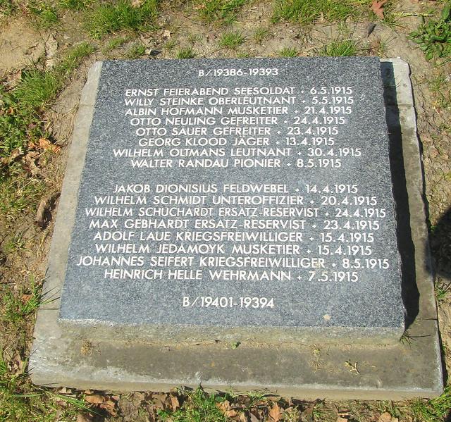 Langemark War Cemetery, Grave