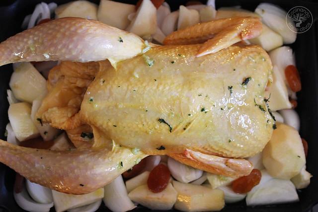 Pollo al horno con manzanas, cebolla, orejones e hidromiel (10)