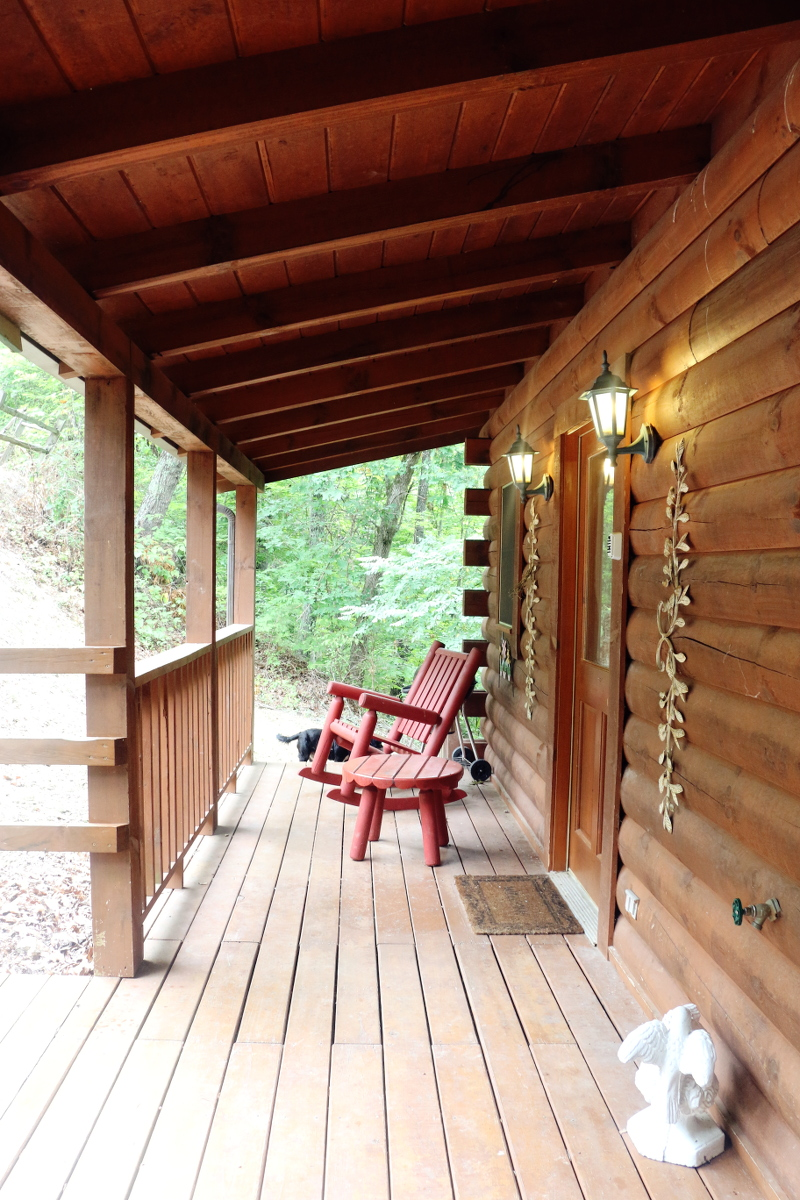 front-log-cabin-patio-4