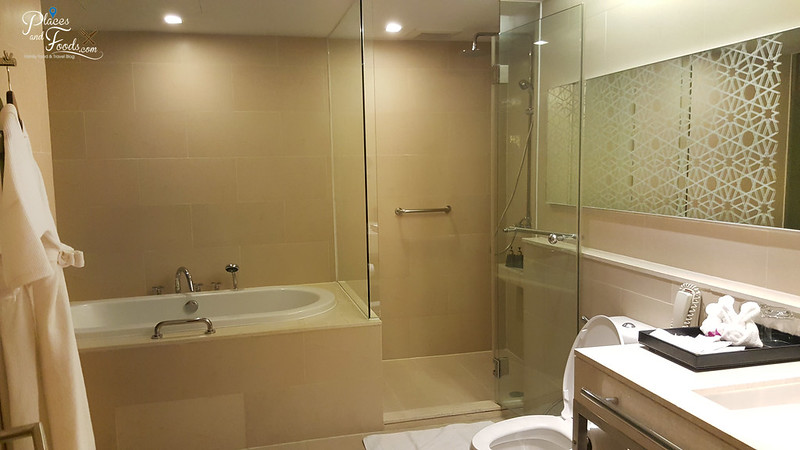 anantara sathorn bangkok suite bathroom