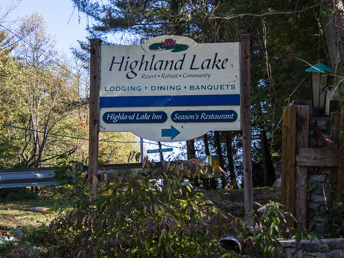 Highland Lake sign