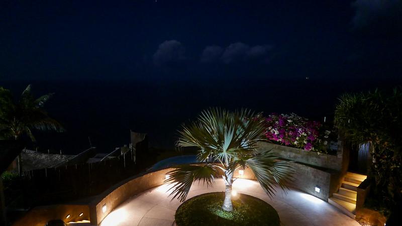 27697464804 6a4e48b0b3 c - REVIEW - The Edge, Uluwatu (Bali)