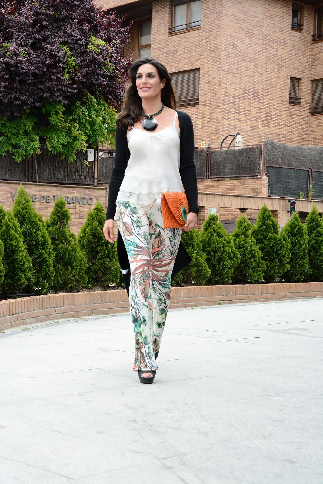 pantalon-estampado-flores