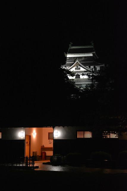 夜の松江城