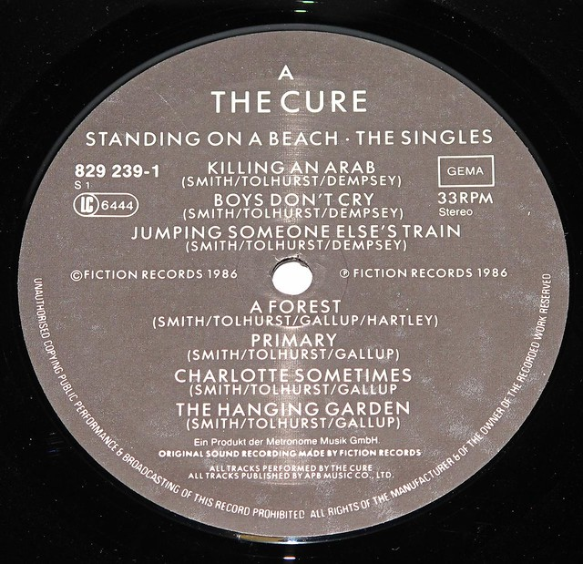 THE CURE STANDING ON A BEACH - THE SINGLES Gatefold