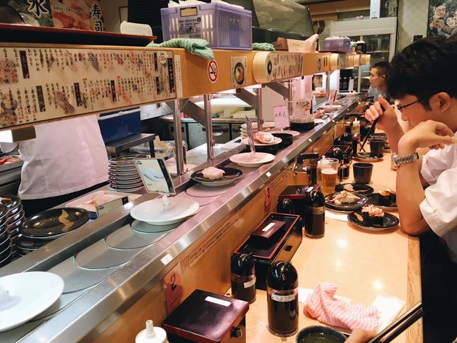 conveyer sushi osaka