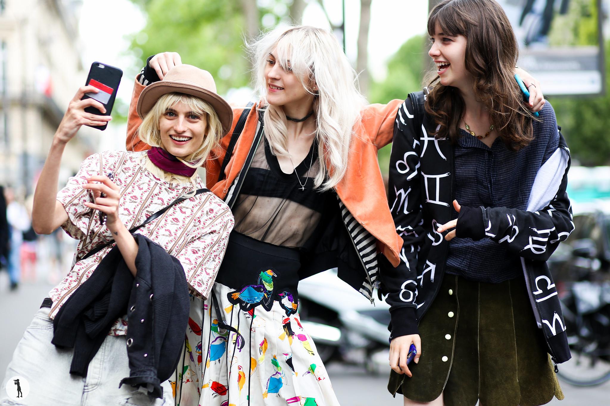 Models Lida Fox, Veronika Vilim and Grace Hartzel at Paris Fashion Week Haute Couture-2