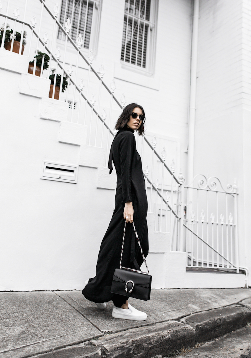THE MINIMAL MAXI DRESS UNIQLO x HANA TAJIMA modern legacy fashion blogger gucci dionysus bag monochrome street style (6 of 7)