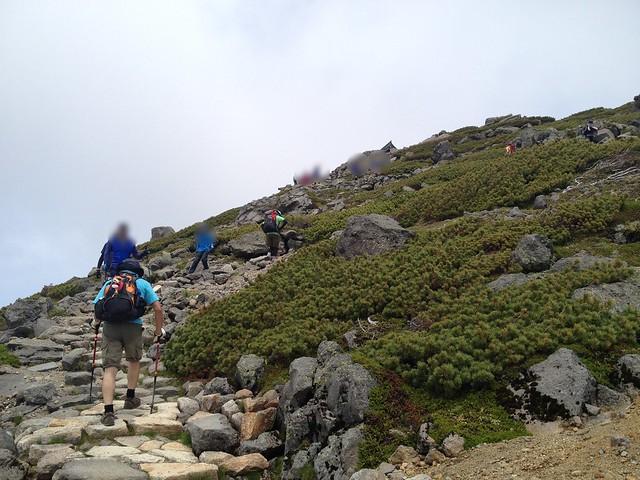 白山 御前峰 登山道 石段